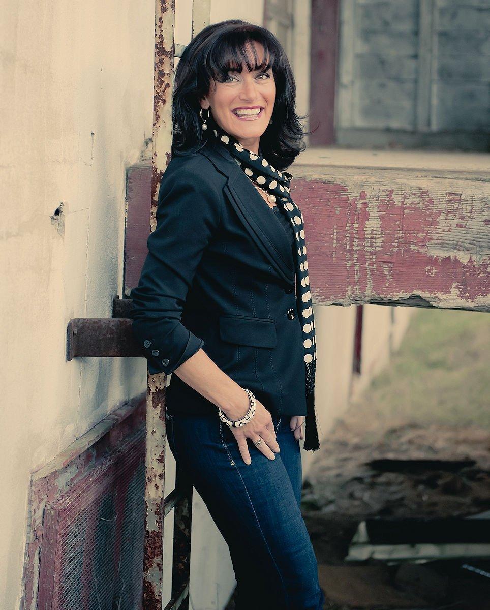 Linda Regulbuto — Owner / Artistic Director